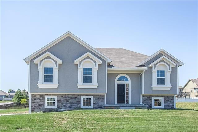 1288 NW Lindenwood Drive, Grain Valley, MO 64029 (#2137112) :: No Borders Real Estate