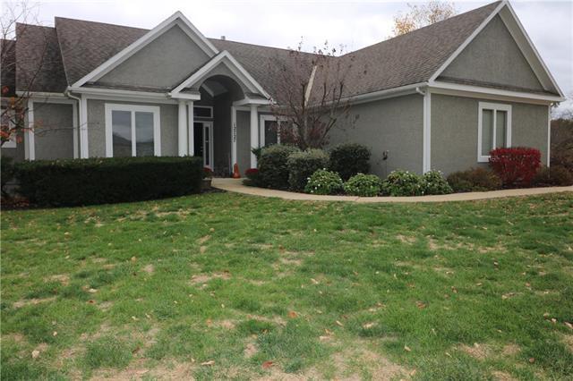 12727 Sloan Avenue, Kansas City, KS 66109 (#2137235) :: Edie Waters Network