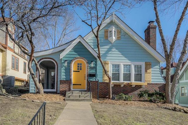 4823 Liberty Street, Kansas City, MO 64112 (#2137456) :: Team Real Estate