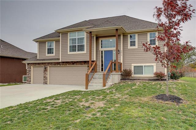 3013 N 158th Street, Basehor, KS 66007 (#2138108) :: Team Real Estate