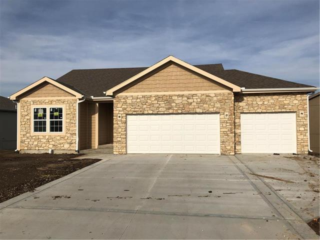 10604 Augusta Drive, Kansas City, KS 66109 (#2138877) :: No Borders Real Estate