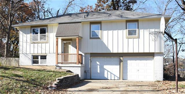 5120 Goodman Lane, Overland Park, KS 66202 (#2139224) :: Kansas City Homes