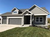 940 N Persimmon Drive, Olathe, KS 66061 (#2139246) :: Char MacCallum Real Estate Group