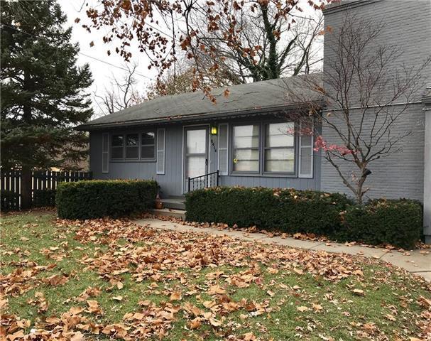 8414 Holmes Road, Kansas City, MO 64131 (#2139371) :: Edie Waters Network