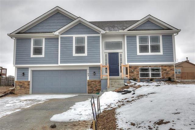 1811 Lauren Lane, Kearney, MO 64060 (#2139731) :: House of Couse Group