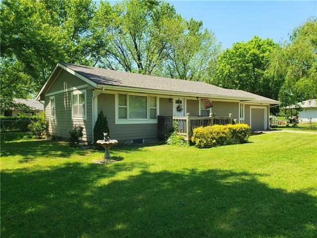 311 Laurel Street, Pleasanton, KS 66075 (#2139870) :: House of Couse Group