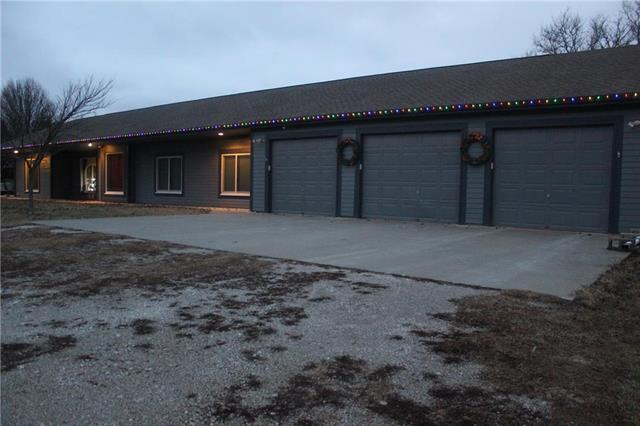 32810 Old Kc Road, Paola, KS 66071 (#2140482) :: Team Real Estate