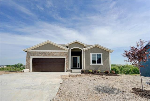 9118 NE 111th Place, Kansas City, MO 64157 (#2141072) :: House of Couse Group