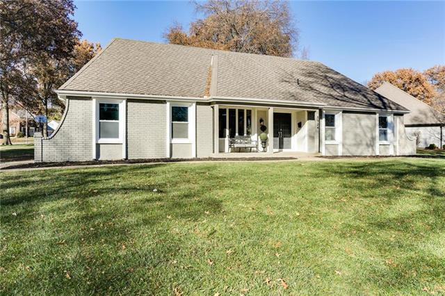 8924 Rosewood Drive, Prairie Village, KS 66207 (#2141242) :: The Shannon Lyon Group - ReeceNichols