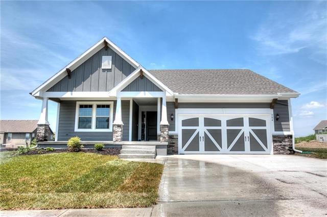807 N Cottonwood Street, Kearney, MO 64060 (#2141308) :: Edie Waters Network