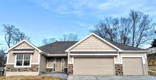 7585 NW Damon Drive, Parkville, MO 64152 (#2141899) :: Eric Craig Real Estate Team