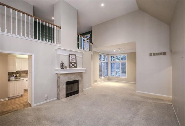 9509 W 122nd Terrace, Overland Park, KS 66213 (#2142561) :: No Borders Real Estate