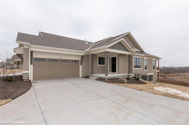 11494 S Waterford Drive, Olathe, KS 66061 (#2142616) :: House of Couse Group