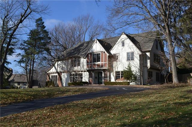 5930 Oakwood Street, Mission Hills, KS 66208 (#2142788) :: The Shannon Lyon Group - ReeceNichols