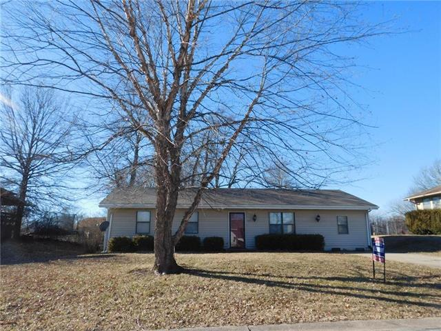 242 SE 111 Road, Warrensburg, MO 64093 (#2142879) :: The Shannon Lyon Group - ReeceNichols