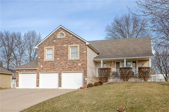 16506 E Debra Street, Independence, MO 64055 (#2143454) :: Edie Waters Network