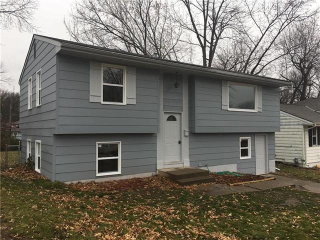4904 N Smalley Avenue, Kansas City, MO 64119 (#2143702) :: Edie Waters Network