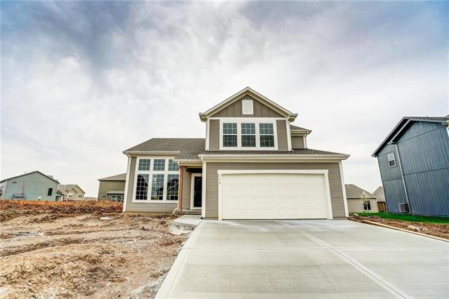 112 SW Ayden Lane, Blue Springs, MO 64064 (#2143909) :: House of Couse Group