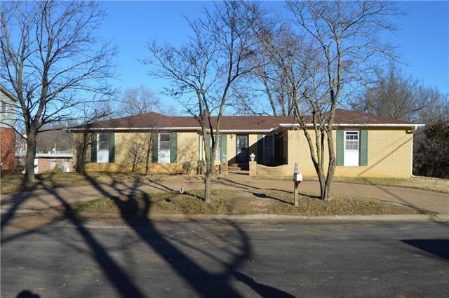 517 Terrace Drive, Warrensburg, MO 64093 (#2143955) :: Edie Waters Network