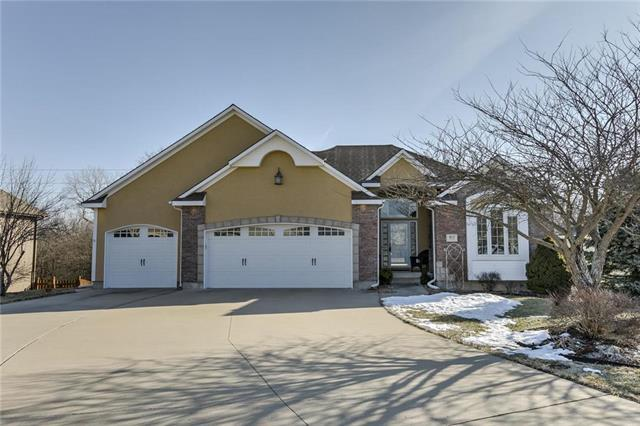 915 Trailway Drive, Raymore, MO 64083 (#2144609) :: Edie Waters Network