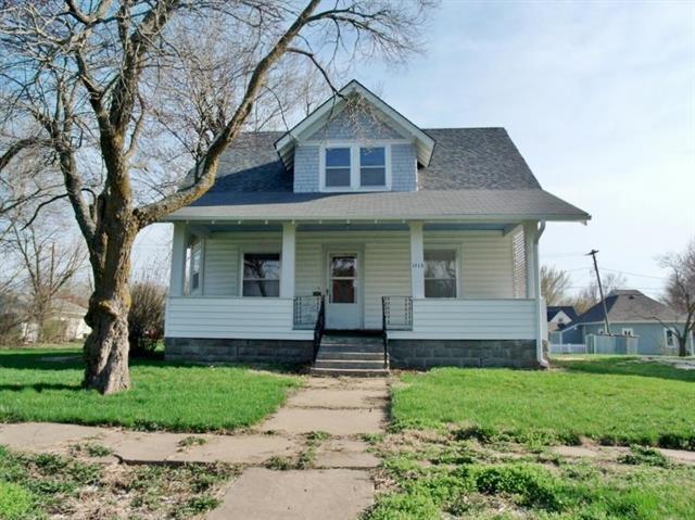 1315 Harrison Street, Sabetha, KS 66534 (#2144645) :: Edie Waters Network
