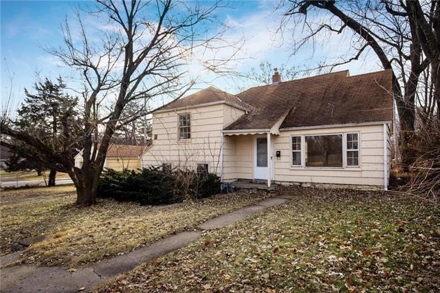 3901 W 47th Street, Roeland Park, KS 66205 (#2144741) :: House of Couse Group