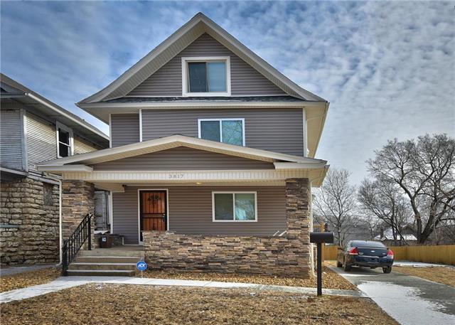 3817 Flora Avenue, Kansas City, MO 64109 (#2145021) :: Edie Waters Network