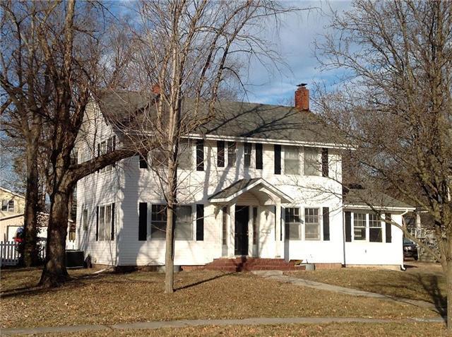 1022 S Cedar Street, Ottawa, KS 66067 (#2145379) :: House of Couse Group