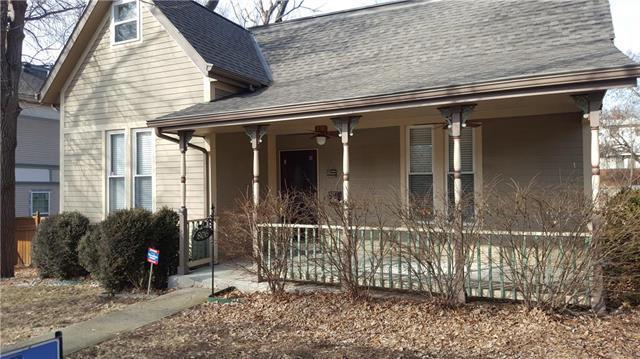 806 W Truman Road, Independence, MO 64050 (#2145860) :: Edie Waters Network