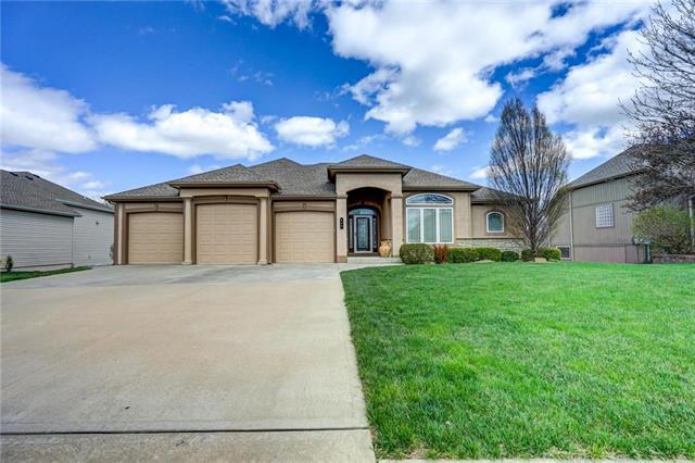 610 Indian Trail Court, Smithville, MO 64089 (#2145969) :: Edie Waters Network