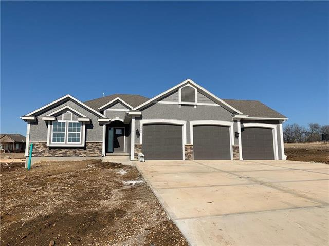 15262 Bradfort Court, Basehor, KS 66007 (#2146447) :: House of Couse Group
