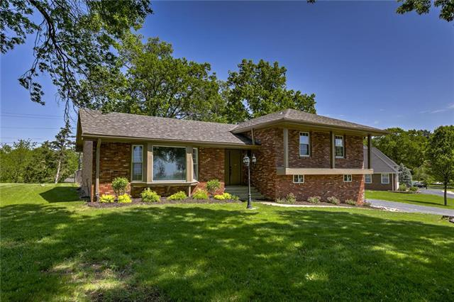 1008 Southwind Drive, Excelsior Springs, MO 64024 (#2146507) :: The Gunselman Team