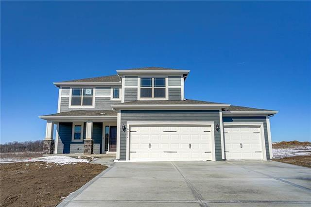 16954 S Laurelwood Street, Olathe, KS 66062 (#2146556) :: House of Couse Group