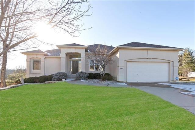 1801 NE Aegean Court, Blue Springs, MO 64029 (#2146564) :: Team Real Estate