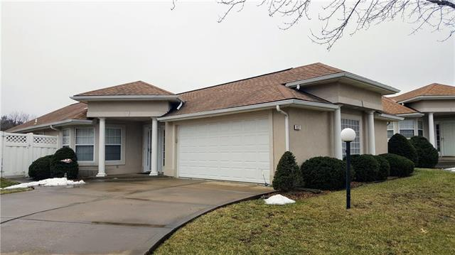 937 NW North Ridge Court, Blue Springs, MO 64015 (#2147141) :: No Borders Real Estate