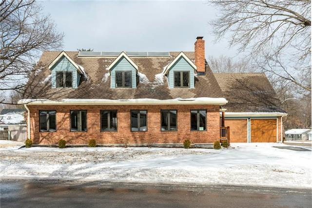 6846 Roe Avenue, Prairie Village, KS 66208 (#2147224) :: The Gunselman Team