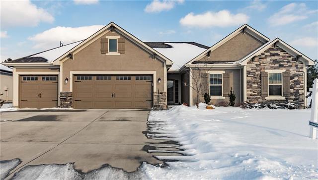 2620 SE 8th Terrace, Blue Springs, MO 64014 (#2147628) :: The Gunselman Team