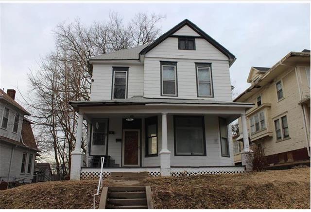 2711 Seneca Street, St Joseph, MO 64507 (#2148022) :: House of Couse Group