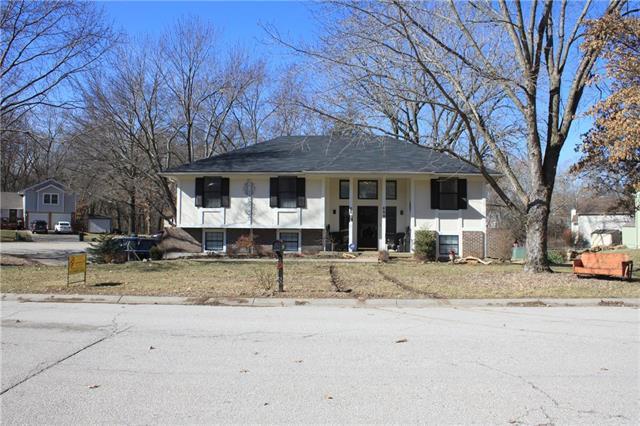 808 S 57th Terrace, Kansas City, KS 66106 (#2148110) :: Edie Waters Network