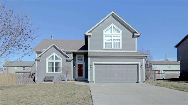 438 W Meadowlark Street, Gardner, KS 66030 (#2148629) :: Edie Waters Network