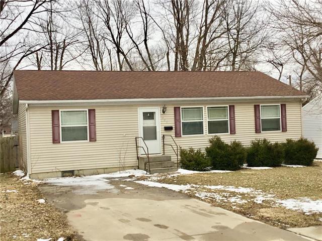 407 9th Street, Warrensburg, MO 64093 (#2148726) :: Edie Waters Network