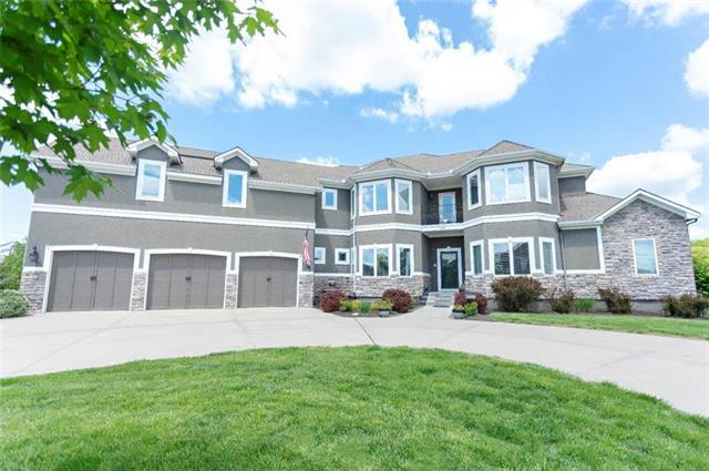 13316 E 93RD Street, Lee's Summit, MO 64138 (#2148809) :: House of Couse Group