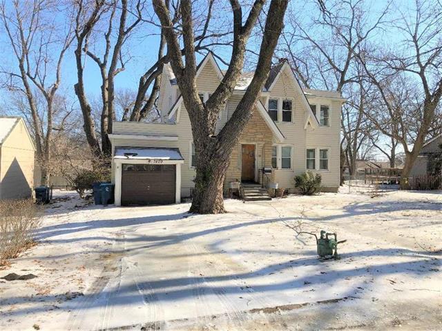 7409 Springfield Street, Prairie Village, KS 66208 (#2150262) :: The Shannon Lyon Group - ReeceNichols