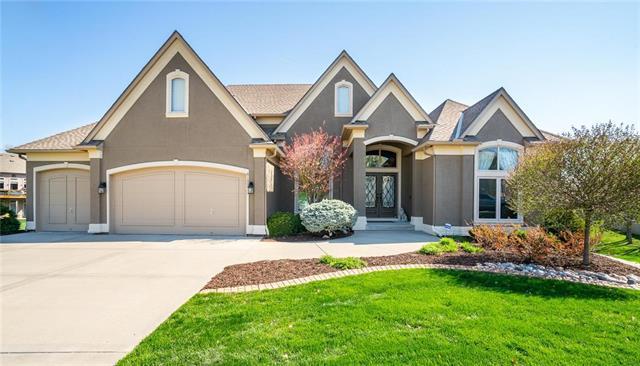 6133 N Cypress Court, Kansas City, MO 64119 (#2150743) :: Edie Waters Network