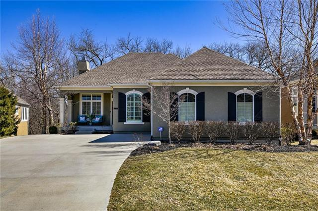 11767 S Carriage Road, Olathe, KS 66062 (#2150924) :: Eric Craig Real Estate Team