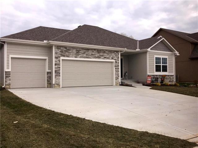 1730 E 128th Street, Kansas City, MO 64145 (#2150936) :: Eric Craig Real Estate Team