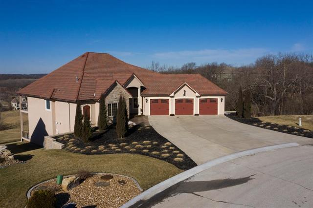 3516 S Mize Ridge Court, Independence, MO 64057 (#2150957) :: Edie Waters Network