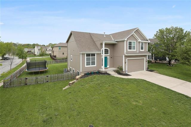 326 Sycamore Drive, Raymore, MO 64083 (#2151215) :: House of Couse Group