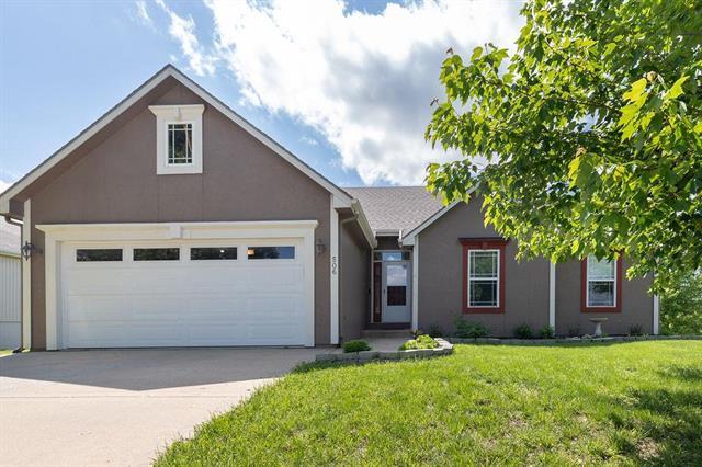 506 SW Bobcat Street, Oak Grove, MO 64075 (#2151805) :: House of Couse Group