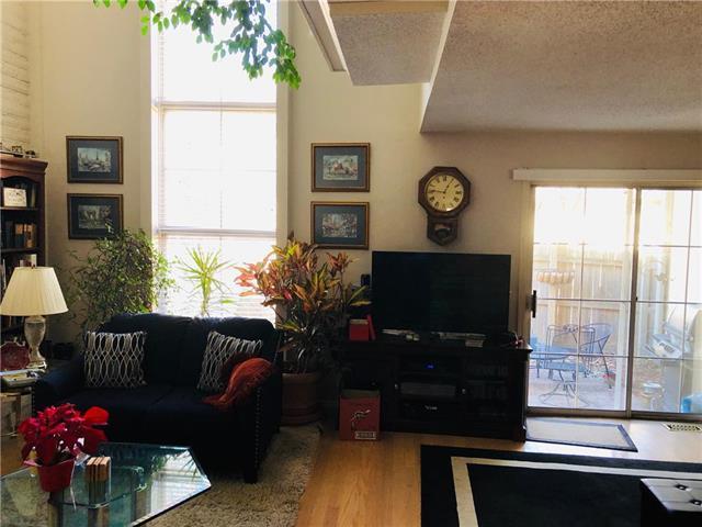 10874 Glenwood Street, Overland Park, KS 66211 (#2153023) :: Clemons Home Team/ReMax Innovations